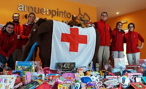 Arqueopinto solidario Cruz Roja Paleorama